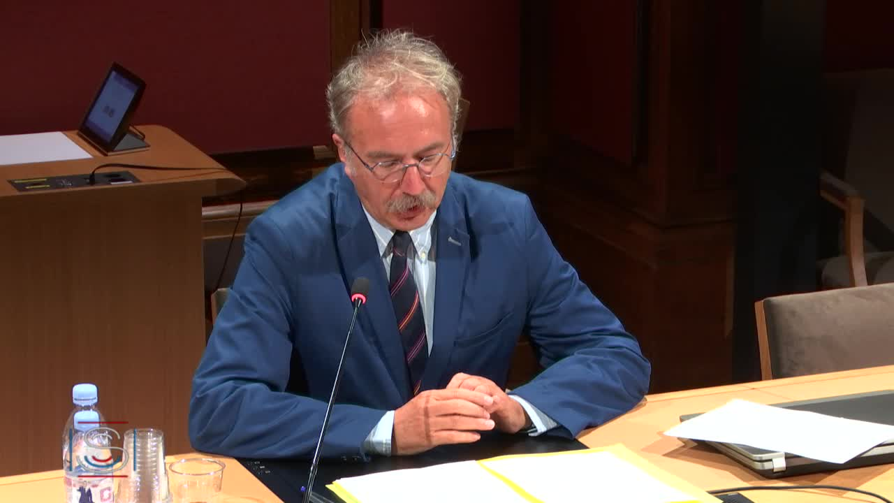 Audition du Dr Laurent Chevalier et Table ronde autour de représentants de syndicats agricoles
